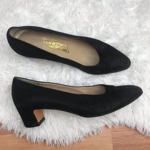 Vintage Salvatore Ferragamo Low Heel Pumps 7.5 B